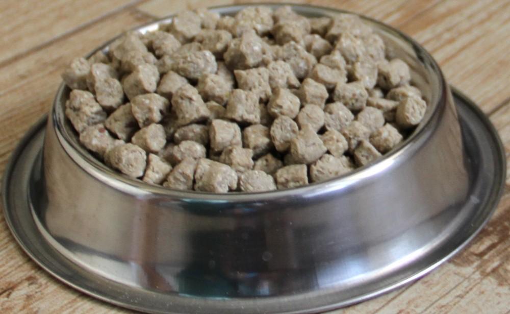 Производство кормов для собак и котов.